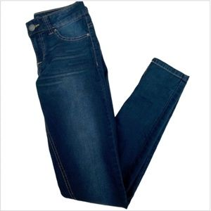 Generra Skinny Blue Jeans With A Light Fade Size 3